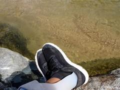 ~en la piedra escuchando el agua correr~ (ForeverAileen) Tags: impedimento piecaído afo mafo
