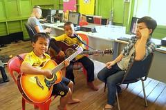 Atelier musique (infoglobalong) Tags: stage étudiant service bénévolat volontaire international engagement solidaire voyage découverte enseignement éducation école enfants aide alphabétisation scolaire asie thaïlande jeux sport art informatique rénovations