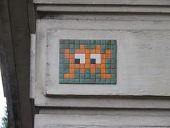 Space Invader PA_267 (tofz4u) Tags: 75016 paris streetart artderue invader spaceinvader spaceinvaders mosaïque mosaic tile pa267 orange green vert reactivated restauré spacerescueintl reactivationteam