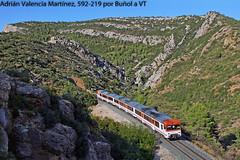 Heroica (Adrián Valencia Martínez) Tags: renfe camello regional 592 5922 diesel naranja buñol montaña tren regionales