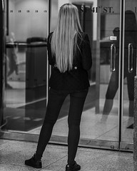 Back of Blonde (brucenmurray) Tags: street manhattan streetphotography newyork unitedstates us streetphotographer nyphotographer nycphotographer blackandwhitephotography bnwstreetphotography