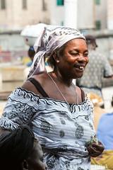 Market smiles (10b travelling / Carsten ten Brink) Tags: 10btravelling 2017 africa african afrika afrique carstentenbrink elmina genericplaces ghana ghanaian goldcoast gulfofguinea iptcbasic oldtown otherkeywords places westafrica coast fishmarket harbour market shore smile tenbrink woman