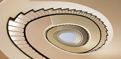 - spiral staircase - (Jac Hardyy) Tags: spiral staircase stair stairs step steps railing handrail banister olive beige brown black white grey green wendeltreppe treppe spirale stufe stufen geländer grün olivfarben olivfarbig braun schwarz weis grau