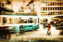 La bénédiction du néant (Fabrice Le Coq) Tags: route personnes ville street rue tramway zurich train femme rouge bleu vert jaune flou immeuble ciel nuages fabricelecoqfoto