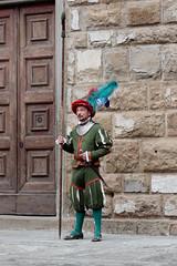 Guard of Palazzo Vecchio. Firenze. Italia. IMG_4057 (mxpa) Tags: florence firenze флоренция италия italy italia travel city people guard europe costume palazzo vecchio