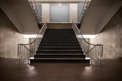 Hamburg stairs (michael_hamburg69) Tags: hamburg germany deutschland treppe stairs staircase barkhof architekt franzbach eingangc handlauf handrail messing golden