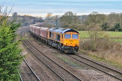 The Ratty (JohnGreyTurner) Tags: br rail uk railway train transport diesel engine locomotive newbarnetby freight 66 class66 shed coal hoppers lincolnshire
