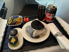 KL_flight_23 (chiang_benjamin) Tags: klm skyteam businessclass food meal aviation avgeek burger beef sandwich luxury