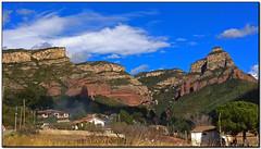 Vallderrós, terra de llegendes, Riells del Fai (el Vallès Oriental) (Jesús Cano Sánchez) Tags: elsenyordelsbertins fujifilm xq1 catalunya cataluña catalonia barcelonaprovincia valles vallesoriental cinglesdeberti lavalldeltenes biguesiriells riellsdelfai vallderros cingles riscos cliffs paisatge paisaje landscape