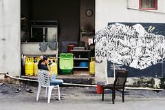 (Hem.Odd) Tags: malaysia kualalumpur streetfood graffiti canonae1program fd50mmf18 fujicolorc200