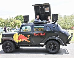 Tuff Redbull (*SIN CITY*) Tags: redbull tuff 4x4 car auto automobile transport vehicle americancarsinaustralia american custom red bull black music fun jeep