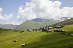 (luceinversa) Tags: medergen arosa switzerland madrige alpen hike hiking trekking travel green
