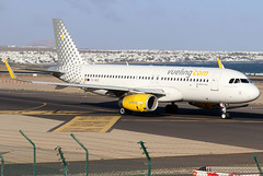 EC-MER_01 (GH@BHD) Tags: ecmer airbus a320 a320200 vy vlg vueling vuelingairlines ace gcrr arrecifeairport arrecife lanzarote aircraft aviation airliner