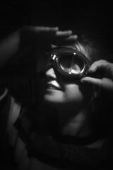 Auriane (à l'oeil de verre photographie) Tags: nantes portrait àloeildeverrephotographie clairobscur pose