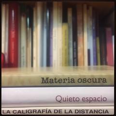 HAIKU DE ESTANTERÍA CLXXVII #haikusdestanteria (juanluisgx) Tags: leon spain book libro haiku estanteria haikusdeestanteria haikusdestanteria poema poem poetry poesia bookshelf