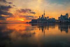 View from Jennifer Kateryna Koval's'kyj Park (A Great Capture) Tags: polson pier skyline view jennifer kateryna kovalskyj park agreatcapture agc wwwagreatcapturecom adjm ash2276 ashleylduffus ald mobilejay jamesmitchell toronto on ontario canada canadian photographer northamerica torontoexplore winter l'hiver 2019 city downtown lights urban cold snow weather colours colors colourful colorful light sun sunny sunshine sunlight gold golden fire sunset atardecer eos digital dslr lens canon 70d sigma 1750mm towers tower buildings structure urbannature scenery scenic sky himmel ciel reflection mirror glass reflections outdoors outside frozen ice
