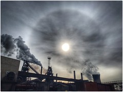 Nature and Industry (Andy Stones) Tags: cirrus cloud solar sun halo weather weatherwatch sky skywatching nature naturephotography naturelovers natureseekers industry industrial scunthorpe lincolnshire northlincolnshire northlincs nlincs image imageof imagecapture photoof outdoors outside
