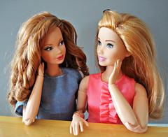 Listening... (Deejay Bafaroy) Tags: barbie steffieface november topaz birthstone mattel doll puppe modelmuse portrait porträt sideglance seitenblick madetomove mtm mtmbody skipper babysitters curvy redhead