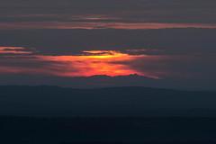Canigou au loin vu des hauteurs de Saint-Estève-Janson(13) (bruno Carrias) Tags: canigou provence provencealpescôtedazur bouchesdurhône sunset soleil saintestèvejanson