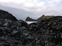 Kynance Cove (Geoff Buck) Tags: cornwall lizard swcoastpath coastpath beach cliff sea waves rocks sand kynance cove