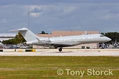N307KP (bwi2muc) Tags: fll airport airplane aircraft plane flying aviation spotting spotter bombardier canadair global n307kp globalexpress fortlauderdaleinternationalairport fortlauderdaleairport bd7001a10