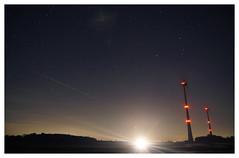 UFO? Oder doch nur das Fernlicht von einem Auto? Wer weiß... (SurfacePics) Tags: windpark windfarm windrad windkraft windkraftanlage redlight roteslicht sky himmel nocturne ufo fernlicht daschfeld badessen harpenfeld bohmte altkreiswittlage landkreisosnabrück lkos osnabrückerland deutschland germany europe europa nacht nachtaufnahme nachtfoto nachthimmel night nightshot blackwhite blackandwhite sw bw einfarbig monochrome schwarzweis surfacepics februar 2019 outdoor photography photo sonyalpha77ii sonyalpha foto fotografie nordwesten norddeutschland sterne stars instagram instalike tumblr facebook landschaft landscape