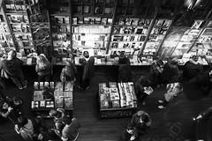 La Livraria (Oporto) (jc.mendo) Tags: jcmendo canon 7d tamron 18270 libros books libreria livraria blanco bn black bw negro