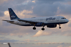 171027_12_FLL_SongSungBlue (AgentADQ) Tags: fort lauderdale hollywood international airport florida airliner airplane aviation 2107 jet blue song sung jetblue airways n558jb airbus a320 200