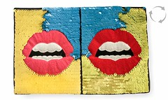Wende Pailletten Applikation, Pop Art MUND, Farbwechsel Patch ca.17x26cm (patchmonkeys) Tags: patch glamour pailletten glam edel chic style no gros rücken brust applikation glamourös glizzy glitzern glitzerdinge strahlen disko fashion reflektion bling aufbügler edle edles aufnäher xl first rule rules patches klassisch stylisch flipflop wechsel kippeffekt flip flop farbwechsel wendepailletten zauberpailletten wechselpailletten