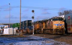 Westbound AC44s (Jeff Carlson_82) Tags: up unionpacific ac4400cw ac4400 5808 stacktrain intermodal snow winter topeka ks kansas kansassub searchlight signal mp67 cpz067 train railroad railfan railway umax 53container ettx 705858 autorack ferromex