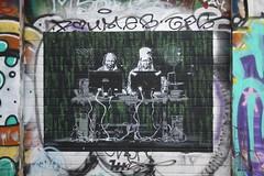 Sur le mur (Bubü) Tags: photo photos berlin allemagne german tag graff grafitti raw friche urbex europe voyages souvenirs exterieur