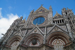 Front of the Duomo, façade, Siena Cathedral (Tatiana12) Tags: siena italy façade sienacathedral duomo architecture unescoworldheritagesite church art europe personaltour