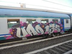 742 (en-ri) Tags: uao 135 crew argento nero viola rosa stelline 2018 train torino graffiti writing