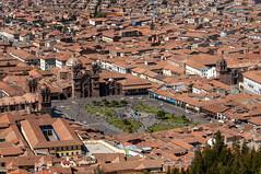 Cuzco Plaza de Armas from Ruin of Sacsayhuaman (Saqsaywaman), Cusco, Peru (takasphoto.com) Tags: atahualpa citadel drystone franciscopizarro huaynacapac inca incaempire killkeculture mancoinca sacsahuaman sacsayhuaman sacsayhuamán saksaqwaman saksawaman saksaywaman saqsaywaman sasawaman sasaywaman saxahuaman tupacinca unescoworldheritage waynaqhapaq インカ サクサイワマン 遺跡 cusco qosqo qusqu куско קוסקו قوسقو کوزکو कुज़्को กุสโก クスコ 庫斯科 sacredvalley thesacredvalleyoftheincas urubambavalley vallesagradodelosincas valleyofyucay valléesacréedesincas урубамба andes andesmountains peru perú piruw precolumbianamerica quechua republicofperu repúblicadelperú перу פרו بيرو پرو पेरू ประเทศเปรู 페루 ペルー 秘魯 nikkor70300mmf4556gedifafsvrzoomlens nikon70300mmf4556gedifafsvrnikkorzoomlens telephoto telephotolens zoomlens