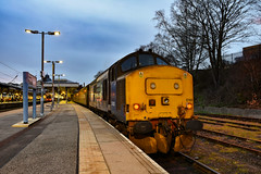 37425 + 37423 - Norwich - 18/02/19. (TRphotography04) Tags: direct rail services drs 37425 sir robert mcalpine concrete bob 37423 spirit lakes stand norwich prior working 2p32 1736 great yarmouth greater anglia service