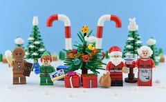 🍬Merry Christmas🎁 (Alex THELEGOFAN) Tags: lego legography minifigure minifigures minifig minifigurine minifigs minifigurines santa claus xmas christman winter elf