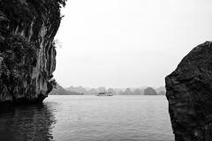 Hạ Long Bay (gambajo) Tags: halongbay halong water sea ship boat landscape romantic vietnam asia bay rocks islands moody framed bucht schiff boot wasser meer landschaft inseln felsen romantisch