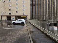 Flughafen-Tempelhof_e-m10_1013107408 (Torben*) Tags: rawtherapee olympusomdem10 olympusm12mmf20 berlin kreuzberg flughafentempelhof thf flughafen fassade facade auto car eingang entrance