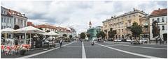 223-224 - EL CENTRO DE VILNIUS DESDE EL AYUNTAMIENTO - LITUANIA - (--MARCO POLO--) Tags: calles panorámicas curiosidades