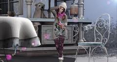 Funny Winter (Ύαℓα Gяαѕнηαя (Yalafaeli resident)) Tags: hair cap firelight cindywithcap swankevent head catwa catyabentohead outfit sweater scarf boots vipscreations femaleoutfit warmwinter perfectface newrelease leggins adn cozyleggings body maitreya larameshbody pose westendposes justagirl posecollection