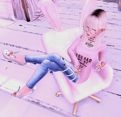 .035 (KawaiiJaysus) Tags: catwa head catya maitreya mesh body lara more jade skin honey entwined polly roots random matter song elfie ears evermore baxter glasses neutral kitja nefeli jeans oceam kustom9 lovelyalien bunny bunnyqueen queen slippers white emarie pumpkin spice sweatshirt halfdeer dream dreamfluff fluff chair rainbow cp cheeky pea rebeccas bed rose