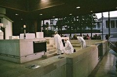 Apparition Chapel Early Morning Mass (Matthew Huntbach) Tags: fátima earlymorning mass apparition chapel portugal fujinatura1600