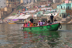Varanasi ... (Zé Eduardo...) Tags: ganges river boat green colors india asia varanasi people reflections city town trip