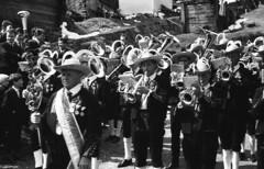 Musikkapelle Sölden closeup (Arne Kuilman) Tags: lostandfound zimmermans photos photonotmine scan v600 epson holiday found gevonden musikkapelle band music traditional ötztalertracht