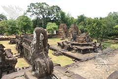 Angkor_Bakong_2014_39
