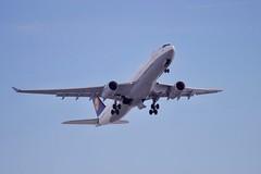 Lufthansa A330 (Selfmade//MJ.V) Tags: flugzeug jet airplane aircraft airport munich münchen muc sky canon 600d airbus lufthansa a330