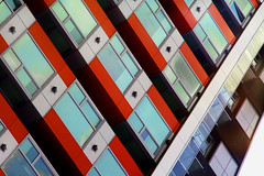 Tricks of the Shade (♫ marc_l'esperance) Tags: marclesperancephoto 2019 building abstract lines angles geometry shapes contrasting colours shade dark geometric abstraction vancouver bc carlzeissjena135mmf35 vintagelens manualfocus manualexposure luxmaticcom