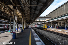 Exeter's New Sprinter (Ben_Broomfield) Tags: class 150 150265 exeter st davids platform passe passenger photography
