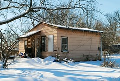 Little House in Solon Mills, Illinois (Cragin Spring) Tags: mchenrycounty midwest snow 2019 winter unitedstates usa unitedstatesofamerica rt12 little tiny house home tree solonmills solonmillsil solonmillsillinois illinois il northernillinois