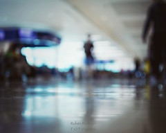Journey (Mister Blur) Tags: aeropuerto internacional cancun international airport wetravel light traveler journey low pointofview pov shallow depthoffield dof bokeh blur blurry woman gate departure snapseed nikon d7100 35mm f18 profundidaddecampo rubén rodrigo fotografía